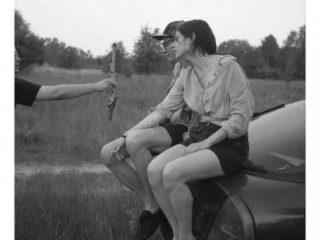 D. Misiorny, bez tytułu (How to make long story short), 2012, fotografia czarno-biała, 212 cm x 150 cm.